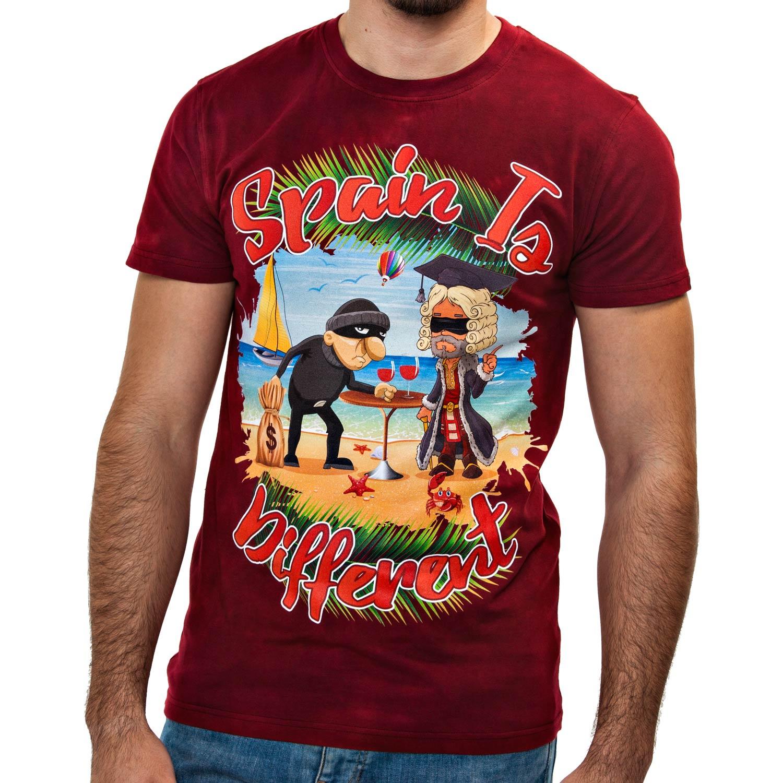 Camiseta Spain is different de hombre con un dibujo exclusivo de un ladrón robando a una justicia ciega. Encuentra en Blaicer camisetas de humor de hombre